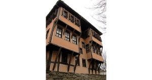 Lamartine house 3